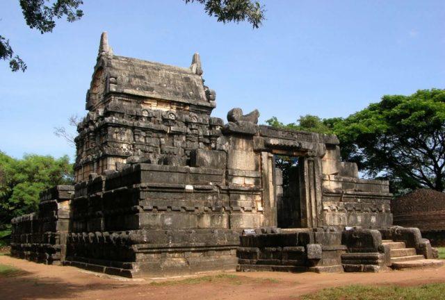 Храм Наланда Гедиге