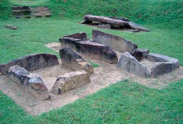 Мегалитическое кладбище Иббанкатува