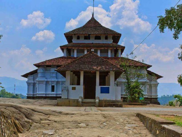 Храм Ланкатилака Вихарайа