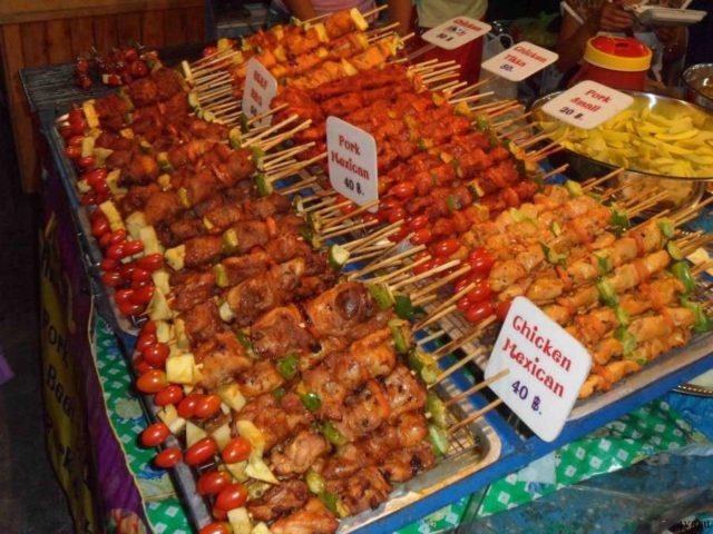 Еда на ночном рынке Паттайи