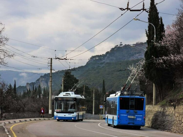 Троллейбус от аэропорта Симферополь в Алушту